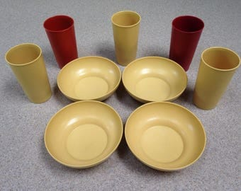 Vintage Tupperware Cups - Tupperware Tumblers and Tupperware Bowls in Harvest Gold, Orange and Red