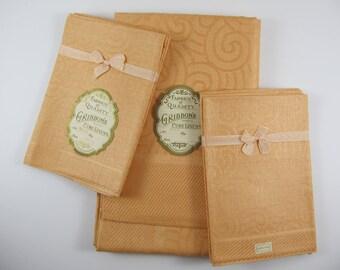 Vintage Peach Linen Tablecloth With Six Napkins NOS