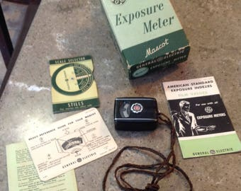 Vintage General Electric Exposure Meter Mascot Camera Photography Accessory Paperwork & Box