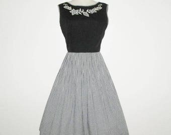 Vintage 1950s Dress / 50s Gingham Dress With Jacket / 50s Black And White Gingham Dress With Floral Applique Design - M