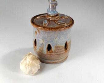 Ceramic garlic keeper, pottery garlic jar, stoneware garlic canister, kitchen garlic storage jar with lid, ceramic garlic jar