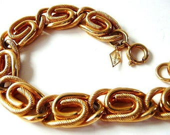 Sarah Coventry paperclip chain necklace   retro gold tone   vintage jewelry   designer signed necklace