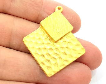 Gold Pendant Gold Plated Hammered Pendant (42x35mm)  G7958