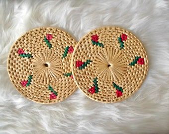 Vintage Rattan Trivets, Set of 2, Boho Straw Trivets, Tiki Bar Decor, Boho Basket Wall Trivets, Jungalow Decor, Woven Wicker