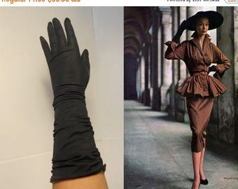 WW2 ENDS SALE Hold Onto Your Hats - Vintage 1950s Van Raalte Black Silky Nylon Ruched Gloves - 6 1/2