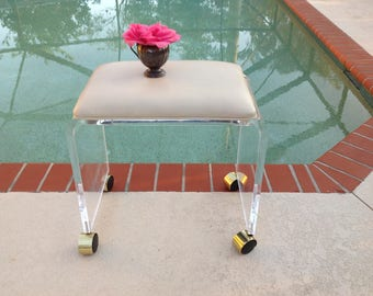 """VINTAGE LUCITE BENCH Waterfall Lucite with Casters / 19"""" long x 13"""" x 18.5"""" tall Lucite Bench Beige Vinyl Hollywood Regency Retro Daisy Girl"""