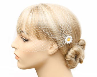 Daisy Hair Pins Ivory Birdcage Veil Bandeau Veil Bird Cage 9 inch French Net Blusher Daisy Headpiece Daisy Accessory Summer Wedding