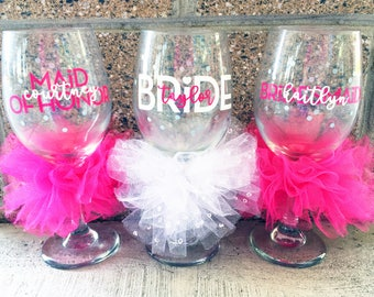 Personalized Wedding Glasses Set of Bridal Party Glasses Bachelorette Party Glasses Bridesmaid Glasses Custom Colors and Colored Tulle