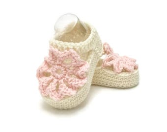 Knitted Flower Summer Sandals in White and Pink Merino Wool