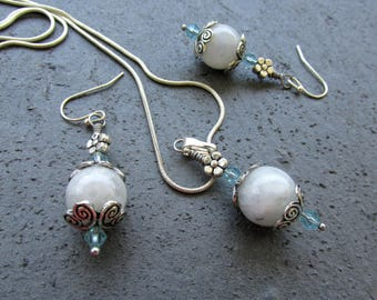 Moonstone and silver, jewelry set, pendant necklace, drop dangle earrings