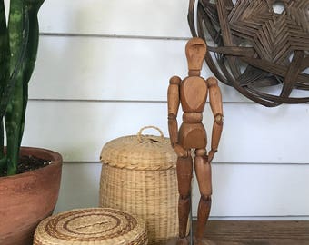 v i n t a g e artist model . articulated wooden mannequin . jewelry display .