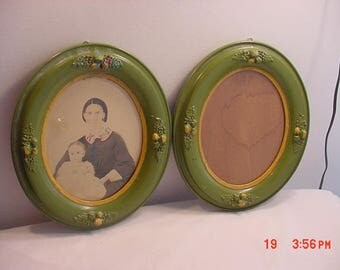 2 Antique Matching Oval Wood & Gesso Picture Frames  17 - 1325
