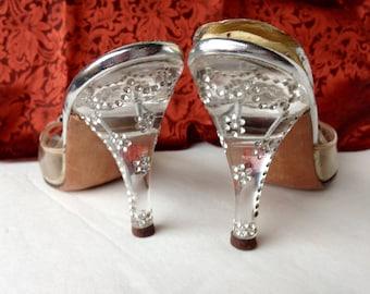 Vintage Lucite Heels Rhinestone Studded Elastic Stretch Slip On Mules Plastic Toe Cover Open Toe Rhinestone Clip Byckles 1940 Glam