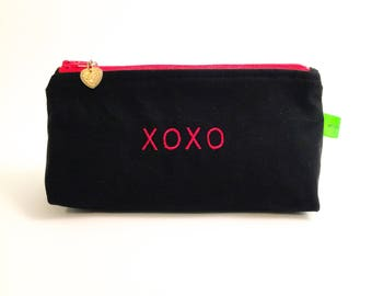 Valentines cosmetic, makeup, toiletries bag, pouch, hugs and kisses, travel bag, jewelry holder, gift card holder