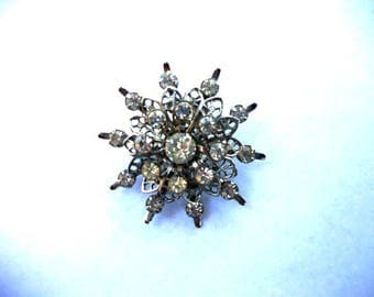 Vintage Rhinestone Starburst Pin Snowflake Filigree Silver Scatter Brooch Collectible Costume Jewelry for Women