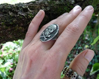Vintage Skull & Crossbones Sterling Silver Ring, A Talisman for the Alchemist, offered by RusticGypsyCreations