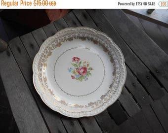 Vintage American Beauty by STETSON 23 KT. Gold  Decorative Floral Bone Porcelain Plate. Fine Porcelain table decor.