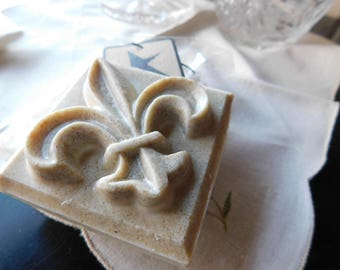 Fleur~de~lis / Frankincense and Myrrh Scented  Soap. Hand Crafted Vegan Organic Castille Soap. Oatmeal, Vitamin E Nourishing face body Wash