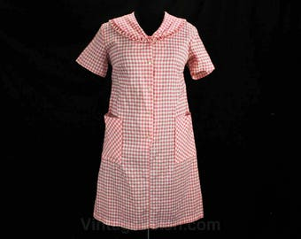 Size 14 House Dress - Large 60s Pink & White Checked Gingham - 1960s Summer Housewife Short Sleeve Dress - Deadstock - Bust 43 - 49085