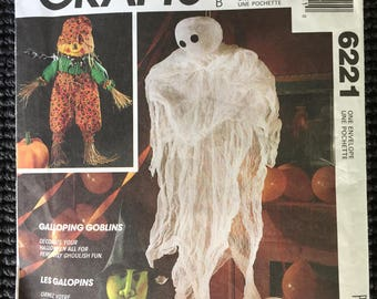 McCall's 6221 Goblins Craft Sewing Pattern Halloween Witch Ghost Scarecrow Pumpkin UNCUT