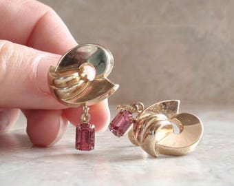 Coro Pink Earrings Gold Tone Dangle Screw Back Vintage 072514RL