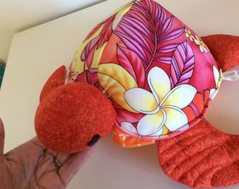 Honu(turtle) Hawaiian turtle - plumeria floral