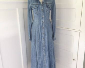 VINTAGE Denim Hippie Dress /  boHo Maxi Dress / Blue Jean Shirt Dress / BoHo Bohemian / Long Sleeve / Duster Coat / Button Down Dress