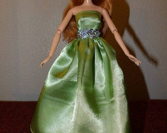 Pale lime green shiny Satin formal with attached tulle slip for Fashion Dolls - ed1042