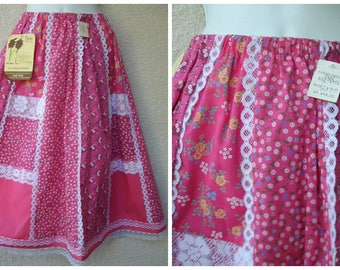 1970s Calico Skirt. Patchwork SKIRT. Peasant Skirt. Prairie Slirt. Pink Skirt. FULL. Lace Trim. A-Lin Skirt. One Size Fits Most. New w/Tags