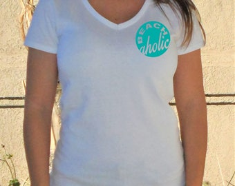 Beach aholic V-Neck Shirt