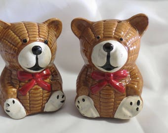 Large Knit Look Teddy Bear Vintage Novelty Salt and Pepper Shakers