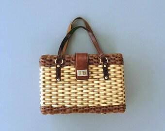Vintage 1960s Wicker Purse. 60s Wicker Purse. 60s Handbag. Wicker Handbag Medium Purse. Leather Handle Purse.