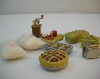 Vintage Miniature Shadowbox Display Kitchen Baking Items Grinder Pie Toaster FREE SHIPPING