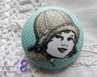 Fabric button, retro girl, 0.94 in / 24 mm
