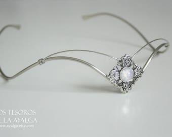 Elvish tiara with moonstone