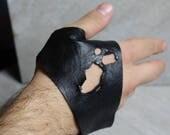 Men's black leather fingerless glove