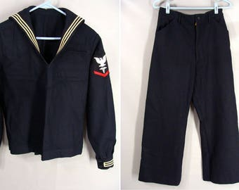U.S. Navy Uniform. vintage 60s Wool Sailor Shirt & Pants. Middy Top. P.O. 3rd Class Medical Hospital Insignia Patch. Size 38R Top n 32 Short