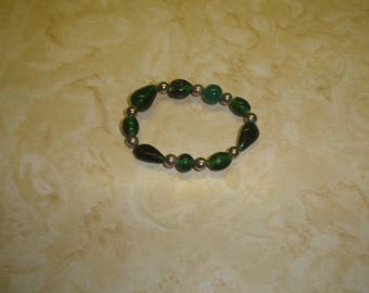 vintage bracelet silvertone green glass stretchy elastic