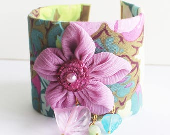 Boho bracelet, textile bracelet, floral fabric bracelet, flower bracelet, boho chic jewelry, hippie bracelet, hippie jewelry, flowers