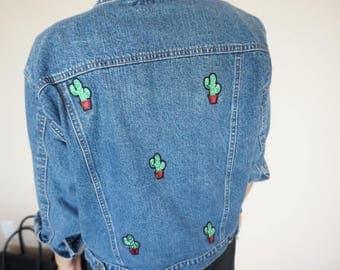 Vintage Denim Jacket / Embroidered Denim Jacket