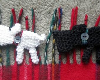 Crochet Pattern for Flora & Scotty Brooch