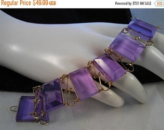 ON SALE Vintage Purple Lucite Bracelet,  1950's 1960's Collectible High End Jewelry