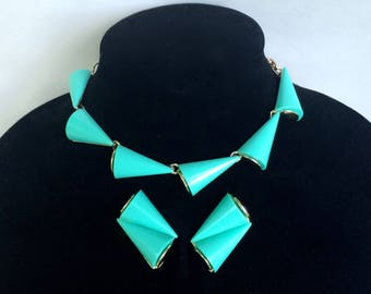 Mid Century Turquoise Lucite Necklace and Earrings Set