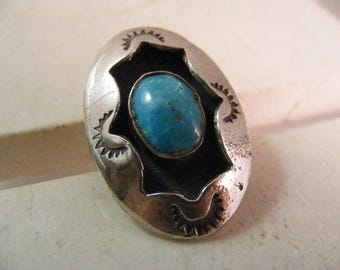 Vintage Southwest Turquoise Shadow Box Ring in Sterling Silver..... Lot 5311