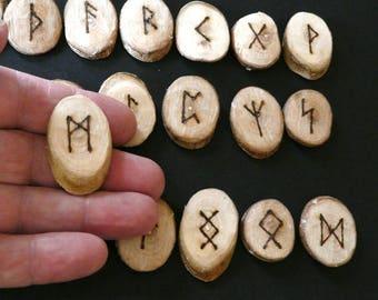 Hazel Elder Futhark, 25 Rune discs