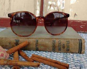 Vintage 80's Sunglasses + Oversized Eyewear, Tortoise Shell Framed Sunglasses, Round Frame, Spring Break Fashion, Large Round Eyeglasses