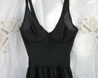 Solid Black Vintage Olga FULL Slip ~ Feminine ~ Under-wire style Top ~ 34B ~ Lace trim