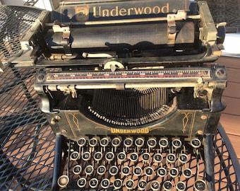 1910 No. 3 UNDERWOOD TYPEWRITER