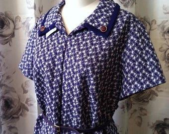 Vintage Summer Sale 1970 Mod purple patterned work dress large