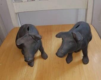 Vintage cast iron pigs bank/door